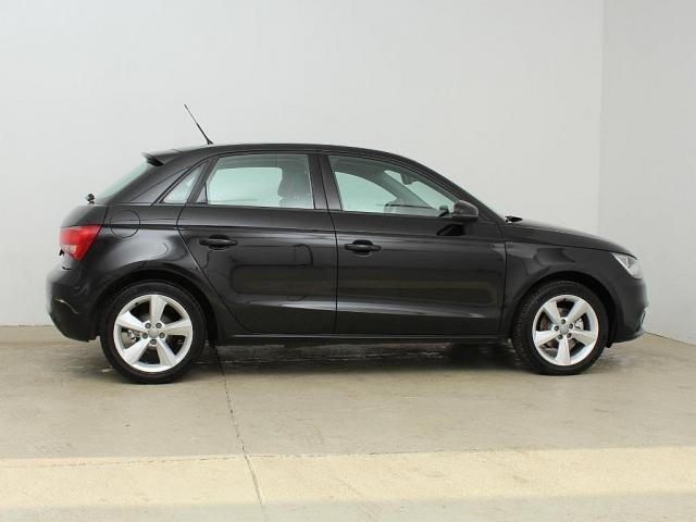 verkauft audi a1 sportback 1 6 tdi amb gebraucht 2013 km in ybbs an der donau. Black Bedroom Furniture Sets. Home Design Ideas