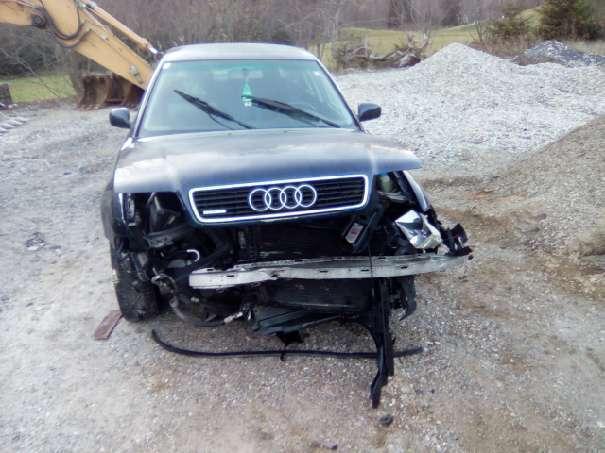 Verkauft Audi A4 A4 +unfall Blau Limou., gebraucht 1997, 315.767 km ...
