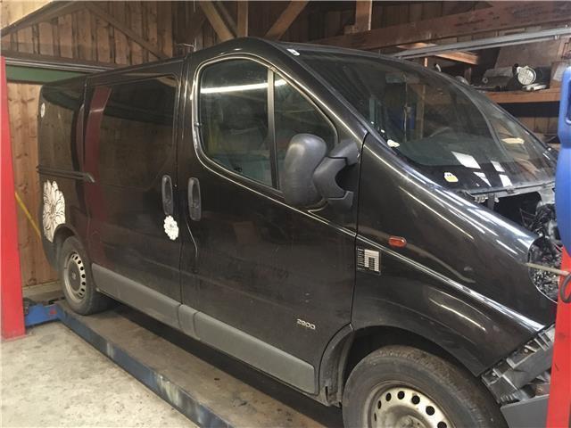 1 4 Gebraucht Opel Vivaro Combi L1h1 2 0 Cdti 9t
