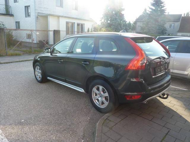 verkauft volvo xc60 d3 awd kinetic suv gebraucht 2012 km in wels. Black Bedroom Furniture Sets. Home Design Ideas