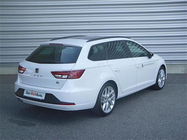verkauft seat leon st fr tdi cr dsg st gebraucht 2016 km in salzburg. Black Bedroom Furniture Sets. Home Design Ideas