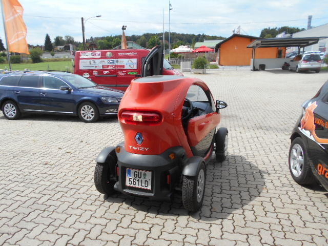 verkauft renault twizy 80 mit t ren gebraucht 2012 km in hart bei graz. Black Bedroom Furniture Sets. Home Design Ideas