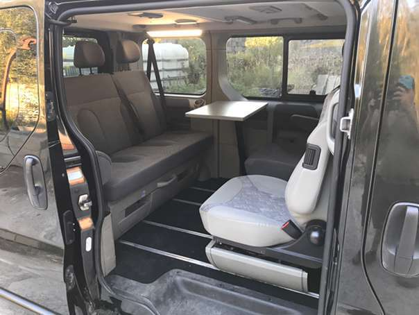 verkauft opel vivaro westfalia 2 5 cdt gebraucht 2008 km in linz. Black Bedroom Furniture Sets. Home Design Ideas