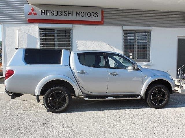 verkauft mitsubishi pajero pick up top gebraucht 2012 km in molln. Black Bedroom Furniture Sets. Home Design Ideas
