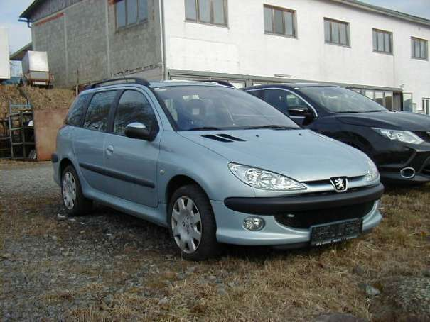 verkauft peugeot 206 sw sport line 1 6 gebraucht 2006 km in perg. Black Bedroom Furniture Sets. Home Design Ideas
