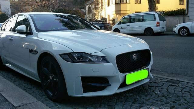 verkauft jaguar xf 20d r sport aut gebraucht 2015 20. Black Bedroom Furniture Sets. Home Design Ideas