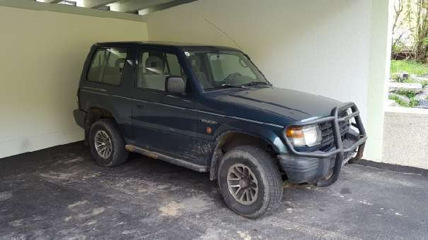 verkauft mitsubishi pajero 2 5 suv o gebraucht 2002 km in villach land. Black Bedroom Furniture Sets. Home Design Ideas