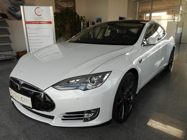 verkauft tesla model s performance 85k gebraucht 2014. Black Bedroom Furniture Sets. Home Design Ideas
