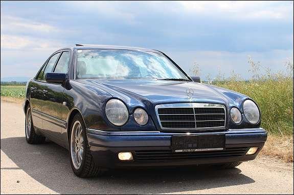 gebraucht e klasse mercedeselegance b99 km limousine mercedes e200 1999 km in. Black Bedroom Furniture Sets. Home Design Ideas