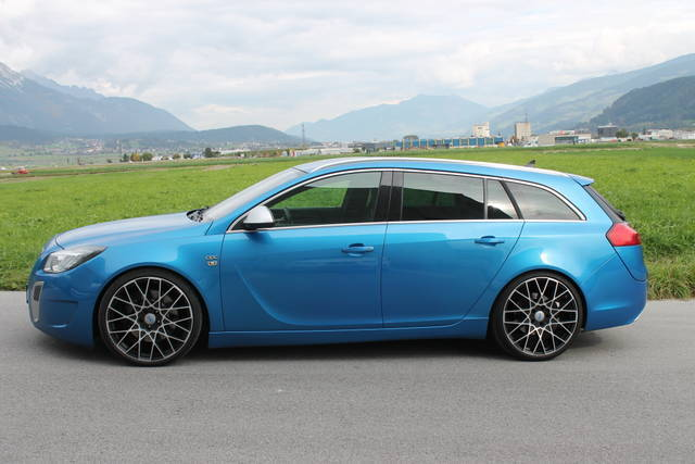 verkauft opel insignia st 2 8 v6 turbo gebraucht 2012 km in rum. Black Bedroom Furniture Sets. Home Design Ideas
