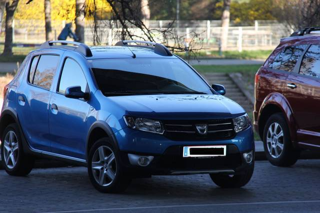 verkauft dacia sandero stepway ambianc gebraucht 2013 km in wien. Black Bedroom Furniture Sets. Home Design Ideas