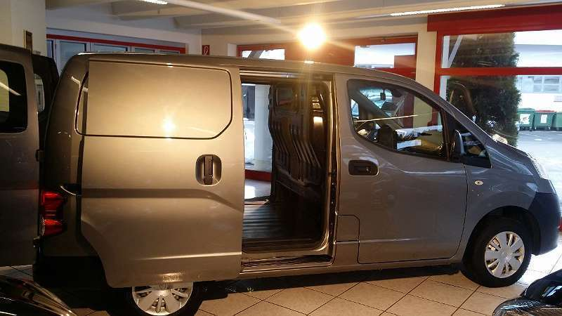 nissan nv200 1 5 diesel 110 ps 2014 zell autouncle. Black Bedroom Furniture Sets. Home Design Ideas