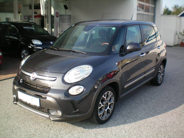 verkauft fiat 500l trekking 1 6 mjet i gebraucht 2013. Black Bedroom Furniture Sets. Home Design Ideas