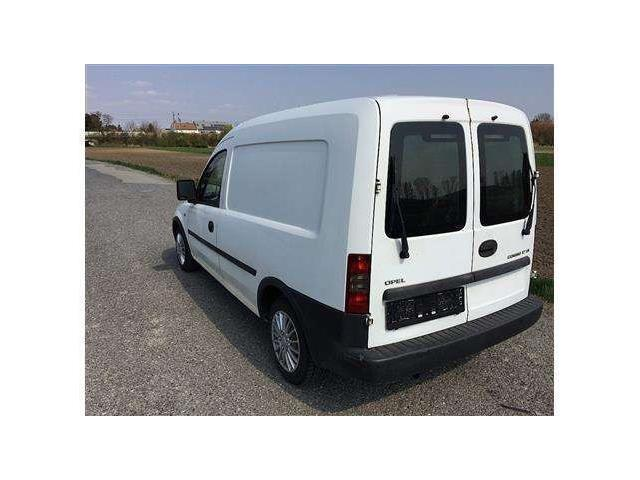 verkauft opel combo tour cosmo l1h2 1 gebraucht 2013 km in semmering. Black Bedroom Furniture Sets. Home Design Ideas