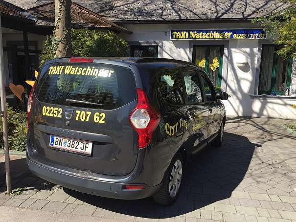 gebraucht laur ate dci 90 diesel 5 sitzig dacia lodgy 2012 km in stra walchen. Black Bedroom Furniture Sets. Home Design Ideas