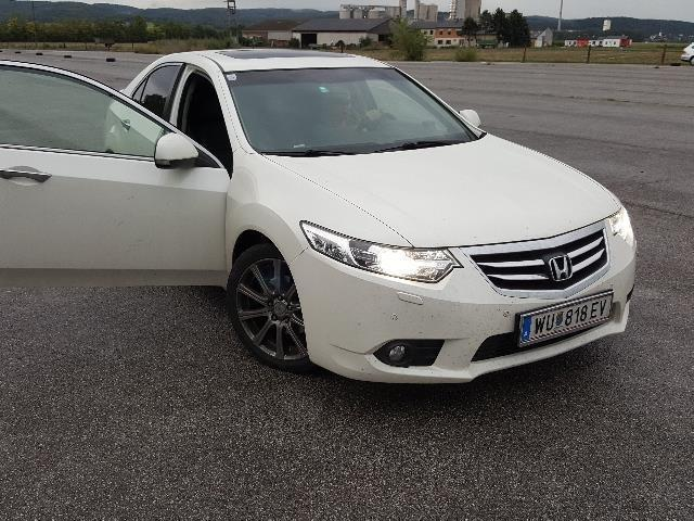 verkauft honda accord 2 2i dtec s gebraucht 2011 km in ebergassing. Black Bedroom Furniture Sets. Home Design Ideas