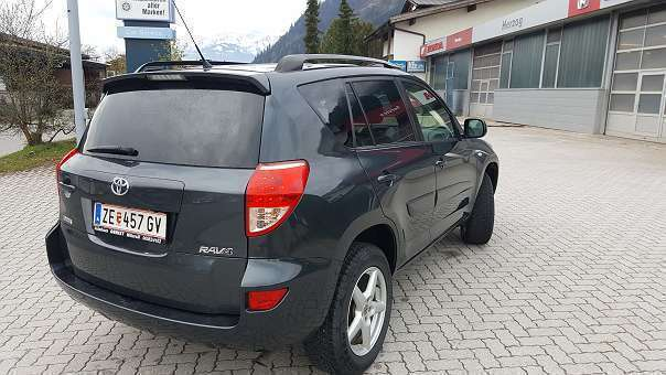 verkauft toyota rav4 2 2 d 4d 135 dpf gebraucht 2008 km in zell am see. Black Bedroom Furniture Sets. Home Design Ideas