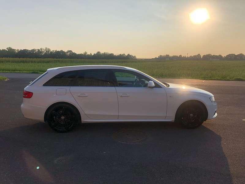 Verkauft Audi A4 B8 S Line Kombi Fam Gebraucht 2009 214000 Km