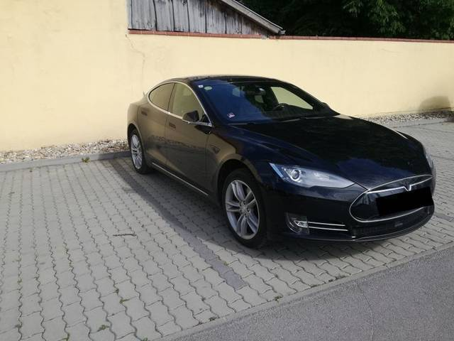 verkauft tesla model s 90d gebraucht 2015 km in. Black Bedroom Furniture Sets. Home Design Ideas