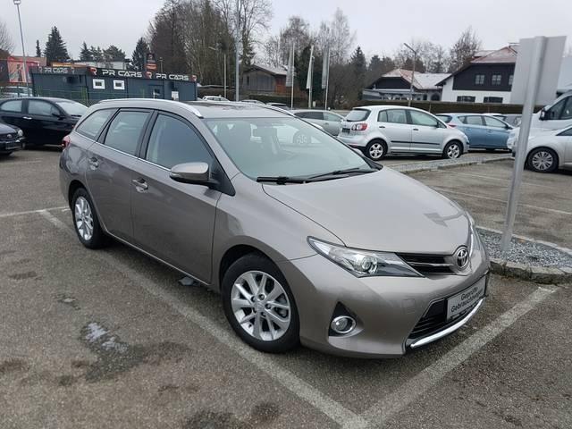 Gebraucht Kombi Diesel, Toyota Auris – 2014, km 37.046 in Rankweil