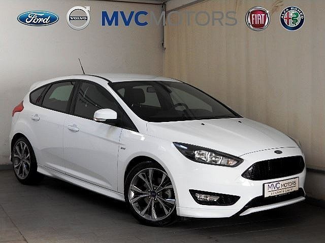 verkauft ford focus 2 0 tdci st line s gebraucht 2017 200 km in wien. Black Bedroom Furniture Sets. Home Design Ideas