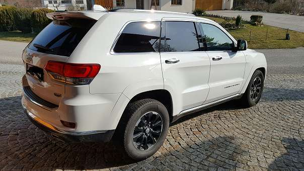 verkauft jeep grand cherokee 3 0 v6 cr gebraucht 2016 km in eggerding. Black Bedroom Furniture Sets. Home Design Ideas