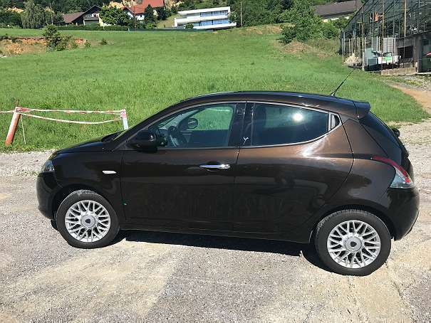 verkauft lancia ypsilon y 1 2 8v star gebraucht 2014 km in graz umgebung. Black Bedroom Furniture Sets. Home Design Ideas