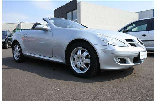verkauft mercedes slk200 slk klassekom gebraucht 2004 km in wien. Black Bedroom Furniture Sets. Home Design Ideas