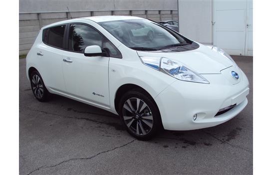 Nissan Leaf Gebraucht : verkauft nissan leaf mit batterie te gebraucht 2016 10 km in strasshof ~ Aude.kayakingforconservation.com Haus und Dekorationen