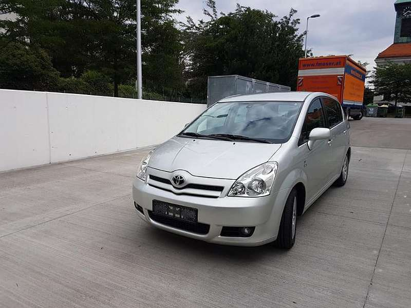 Verkauft Toyota Corolla Verso D4 D Gebraucht 2005 127 000 Km