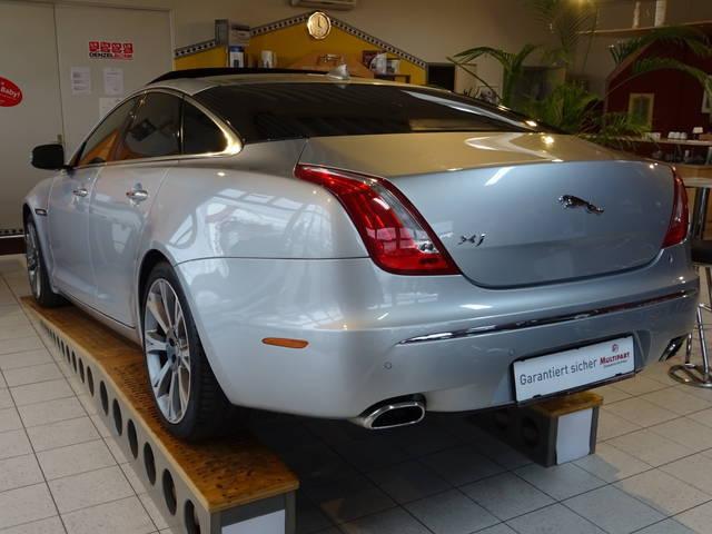 verkauft jaguar xj xj3 0 diesel premiu gebraucht 2014 km in stockerau. Black Bedroom Furniture Sets. Home Design Ideas