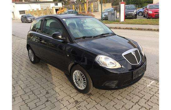 verkauft lancia ypsilon yargento 1 2 b gebraucht 2011 km in velm g tzendorf. Black Bedroom Furniture Sets. Home Design Ideas