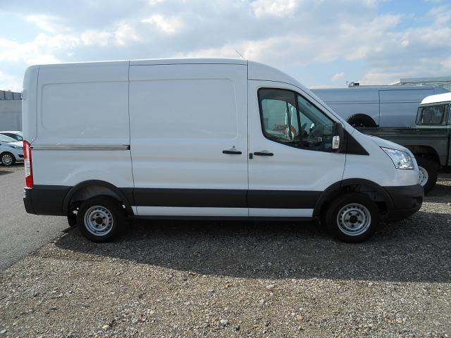 verkauft ford transit kastenwagen l2h2 gebraucht 2017 10 km in horn. Black Bedroom Furniture Sets. Home Design Ideas