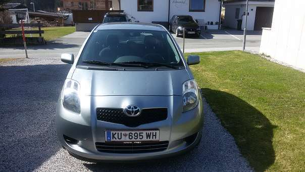 verkauft toyota yaris yaris1 0 vvt i k gebraucht 2005 km in kufstein. Black Bedroom Furniture Sets. Home Design Ideas