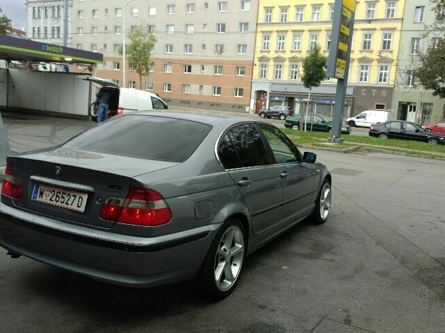 verkauft bmw 330 3er gebraucht 2003 km in wien. Black Bedroom Furniture Sets. Home Design Ideas