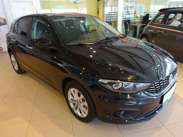 verkauft fiat tipo 1 4 95 easy gebraucht 2016 0 km in spittal a d drau. Black Bedroom Furniture Sets. Home Design Ideas