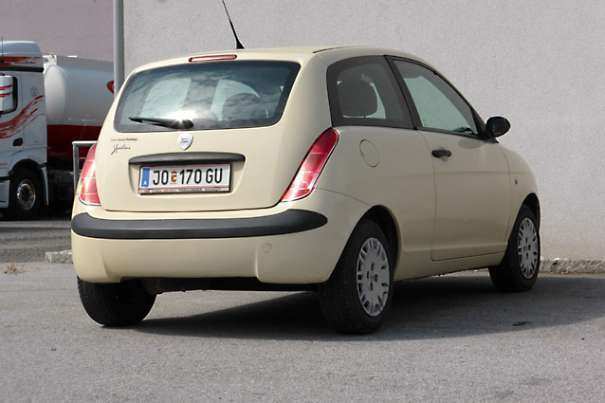 verkauft lancia ypsilon glamour 1 2 8v gebraucht 2005 km in bischofshofen. Black Bedroom Furniture Sets. Home Design Ideas