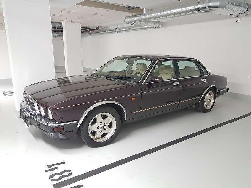 verkauft jaguar xj 40 3 2 sport limous gebraucht 1994 km in wien. Black Bedroom Furniture Sets. Home Design Ideas