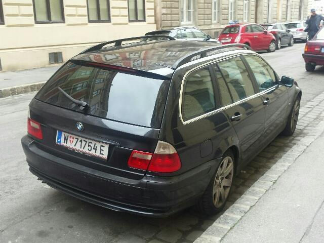 verkauft bmw 330 3er touring gebraucht 2001 km in wien. Black Bedroom Furniture Sets. Home Design Ideas