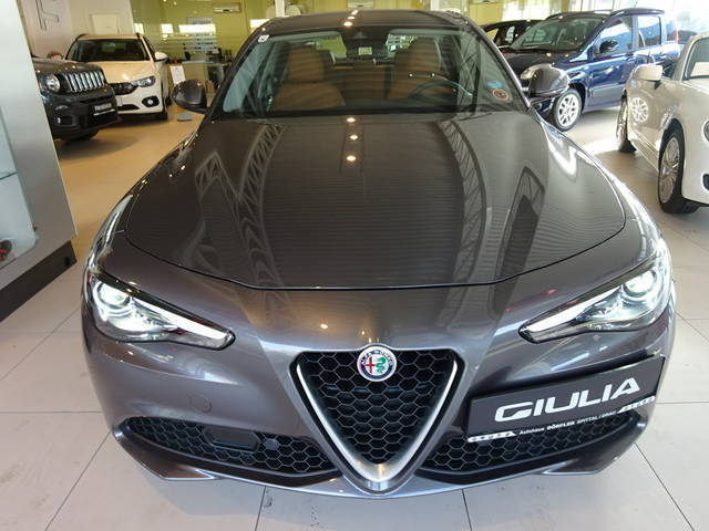 verkauft alfa romeo giulia super 2 2 1 gebraucht 2016 3. Black Bedroom Furniture Sets. Home Design Ideas