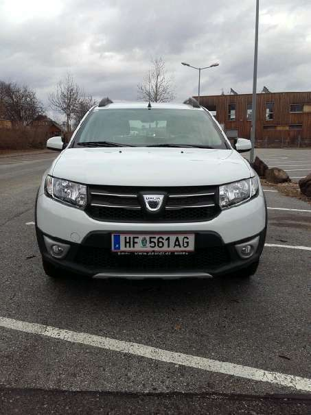 gebraucht stepway kompakt kleinwagen dacia sandero 2013 km in graz. Black Bedroom Furniture Sets. Home Design Ideas