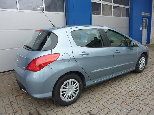 gebraucht 1 6 e hdi 115 asg6 fap active peugeot 308 2011 km in rossleithen. Black Bedroom Furniture Sets. Home Design Ideas