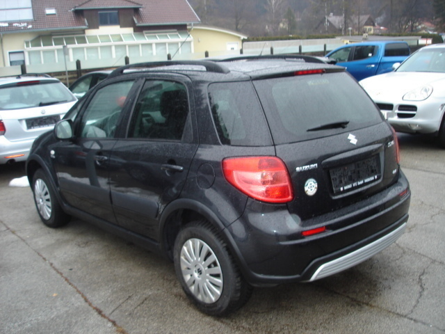 verkauft suzuki sx4 1 9 gl ddis deluxe gebraucht 2006 km in irschen. Black Bedroom Furniture Sets. Home Design Ideas