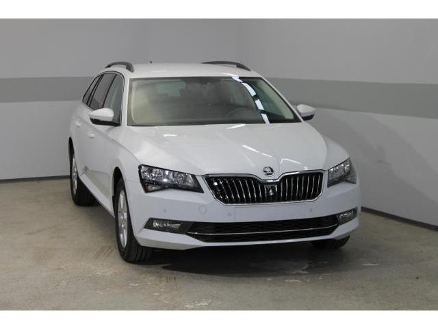 verkauft skoda superb combi ambition p gebraucht 2016 10 km in wr neustadt. Black Bedroom Furniture Sets. Home Design Ideas
