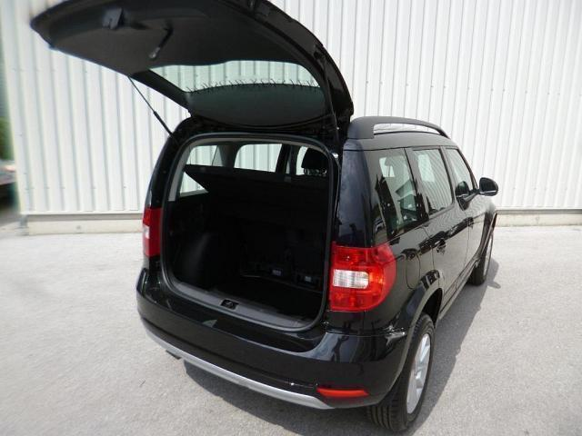 verkauft skoda yeti 1 2 tsi active gebraucht 2017 233 km. Black Bedroom Furniture Sets. Home Design Ideas