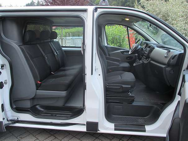 verkauft renault trafic doka 90dci kom gebraucht 2016. Black Bedroom Furniture Sets. Home Design Ideas