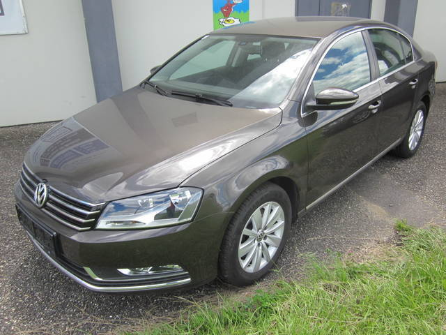 gebraucht limousine vw passat 2014 km in dirnsdorf. Black Bedroom Furniture Sets. Home Design Ideas