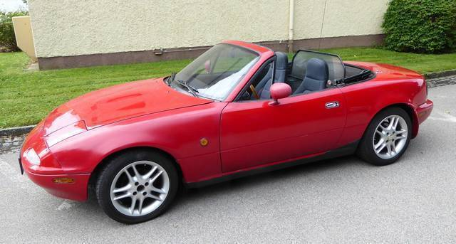 verkauft mazda mx5 cabrio roadster gebraucht 1992 km in braunau. Black Bedroom Furniture Sets. Home Design Ideas