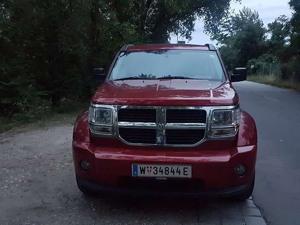 verkauft dodge nitro 2 8 crd suv gel gebraucht 2008 km in wien. Black Bedroom Furniture Sets. Home Design Ideas