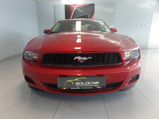 gebraucht v6 ford mustang 2009 km in wr neustadt autouncle. Black Bedroom Furniture Sets. Home Design Ideas